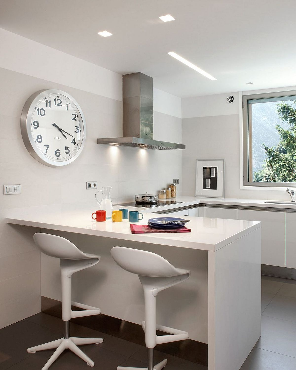 Kitchen in white with fabulous mountain views