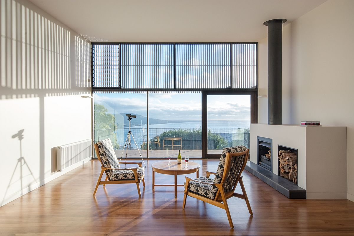 Living area of the family residence on the bech in Australia