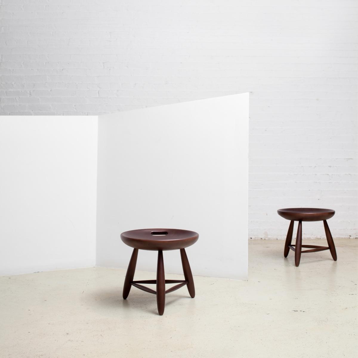 Mocho stool