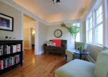 Pops-of-red-in-a-taupe-sitting-room-217x155