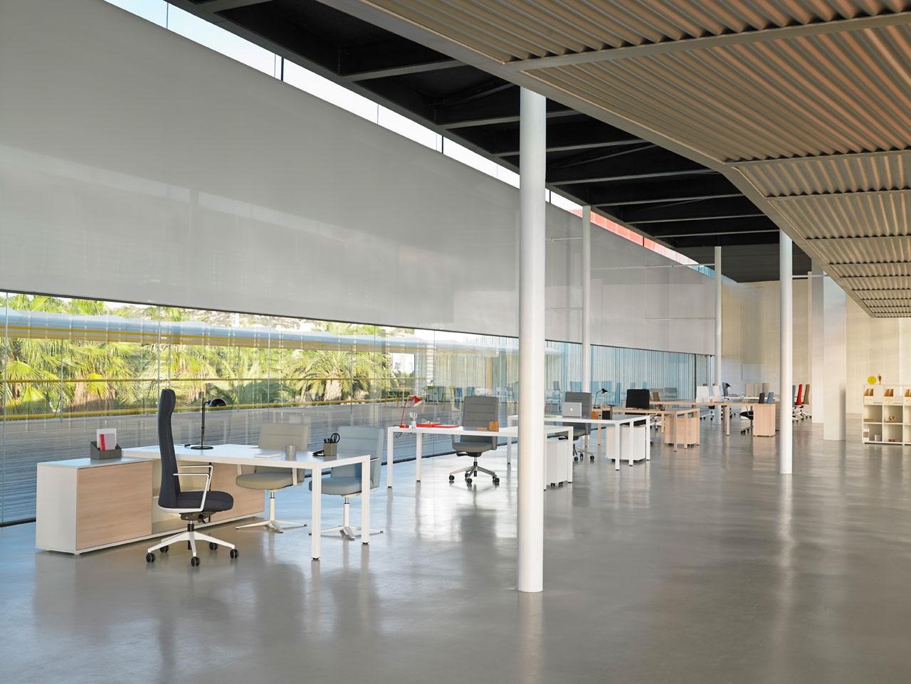 Prisma desk by designers Sylvain Carlet & Isern Serra.