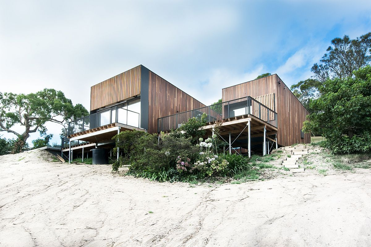 Relaxing beach side family retreat in Victoria Australia Woodsy Flexibility: Breezy Beachside Family Retreat Down Under