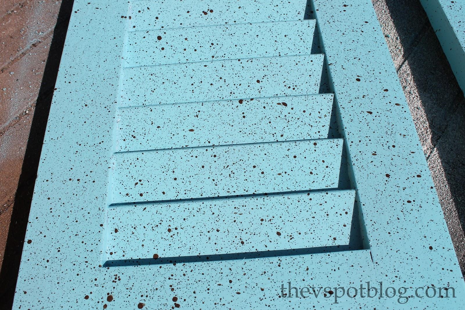 Speckling paint technique