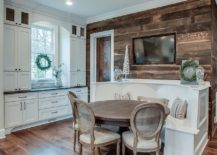 Stylish-accent-wall-in-reclaimed-wood-for-the-modern-kitchen-217x155