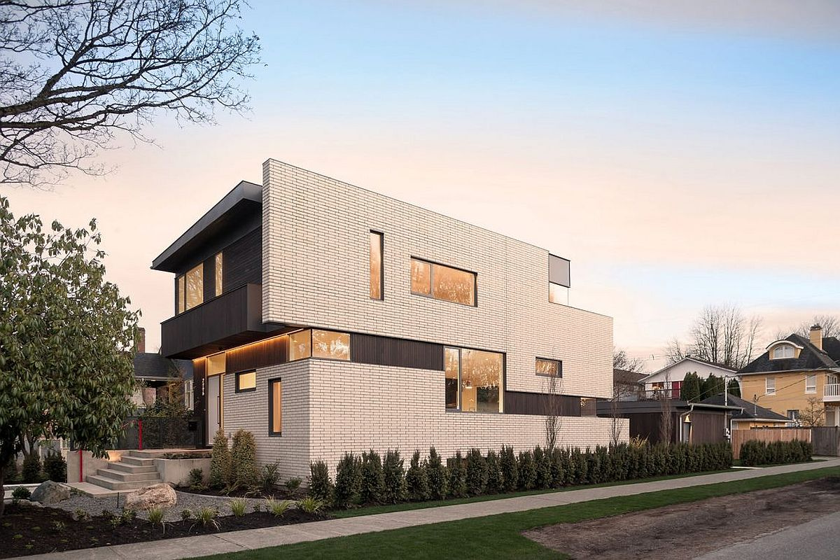 Stylish contemporary residence in Vancouver with striking white facade This Vancouver Home Wows with a White Brick Façade and Bamboo Garden