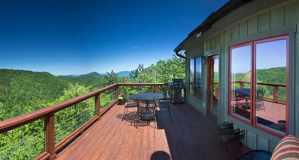 A dash of red enlivens the already mesmerizing modern deck