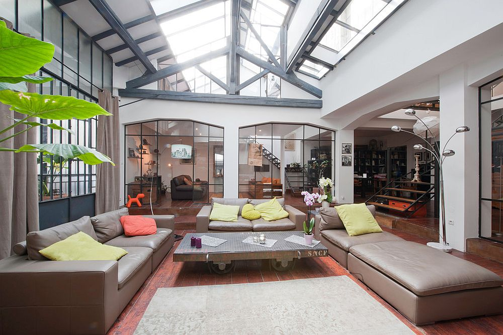Awesome industrial sunroom fill of light [From: Alexandre Montagne]