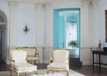 Beautifully appointed drawing room