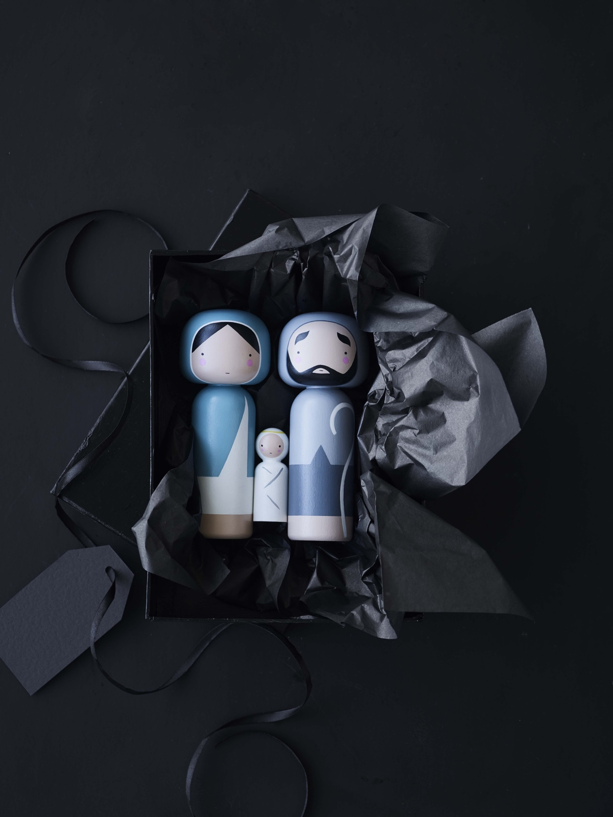 With summer reaching a climax, minds will inevitably turn to the new season and Christmas is fast approaching. Newly designed by Becky Kemp, Kokeshi Christmas is a contemporary interpretation of that classic nativity scene.