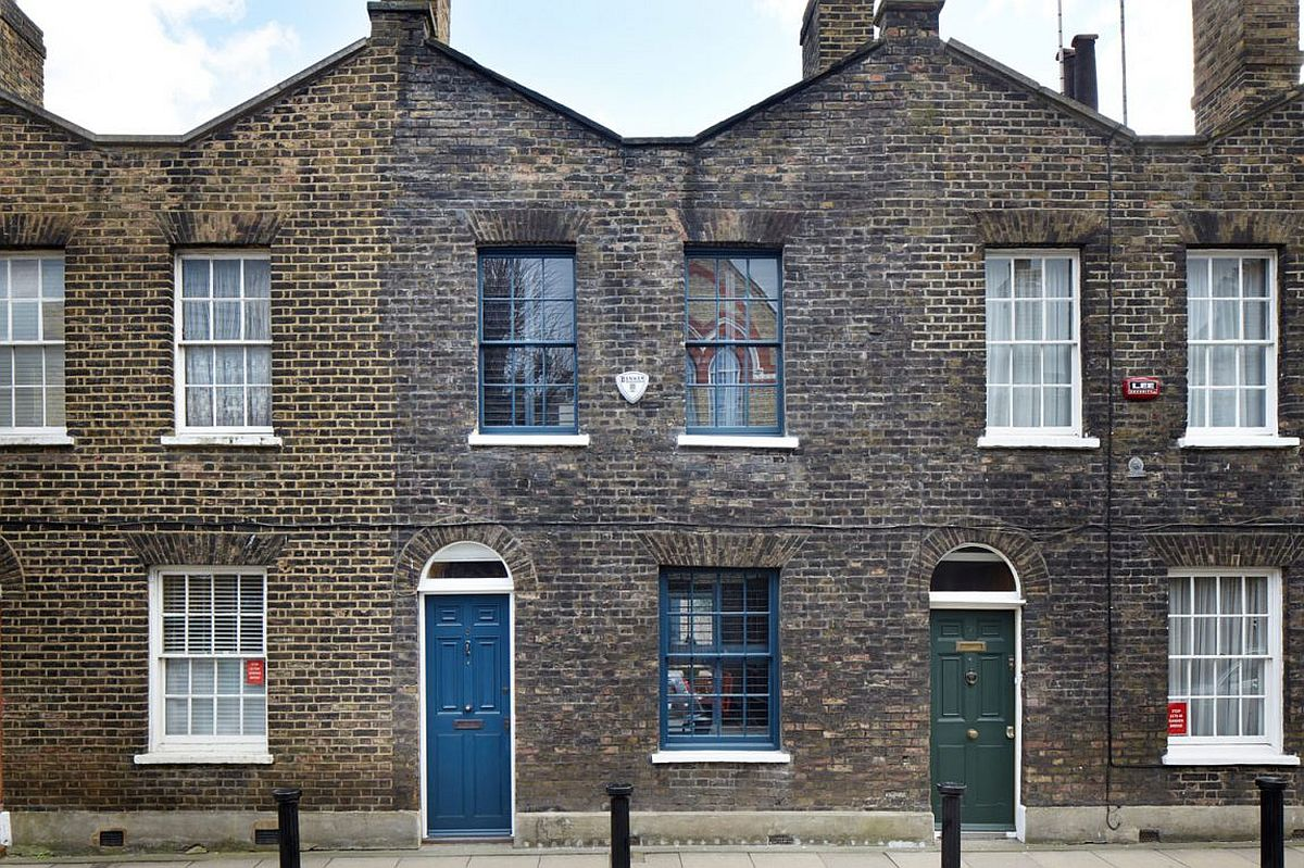 Classic heritage home in London restored and renovated to give it a contemporary sheen