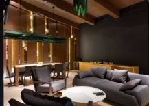 Dark gray brings an air of sophistication to the chalet