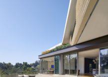 Expansive LA home designed to meet the demands of its unique landscape