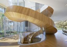 Exqlusive-helical-staircase-design-steals-the-show-inside-the-sophisticated-LA-home-217x155