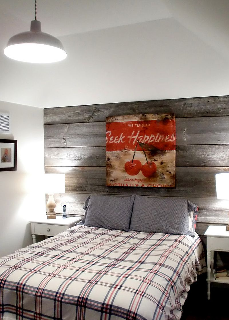 Farmhouse style bedroom with a modest reclaimed wood feature wall [Design: barnboardstore]