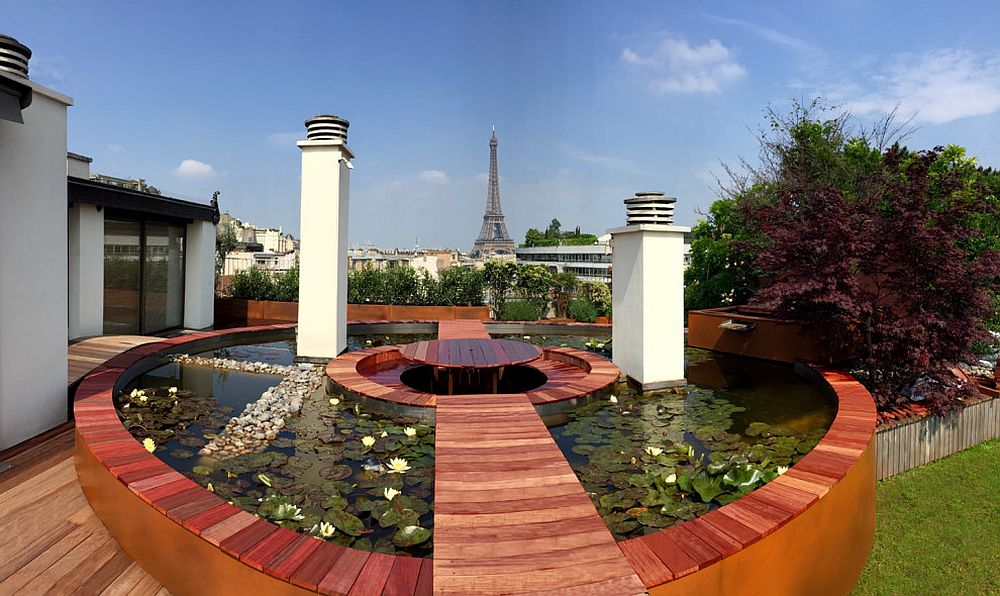 Few gardens and decks offer a view as stunning as this in Paris! [Design: Architecte Paysagiste Scènes d'extérieur]