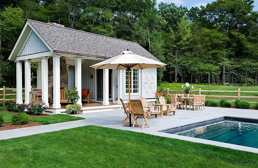 25 pool houses to complete your dream backyard retreat for Construction pool house piscine