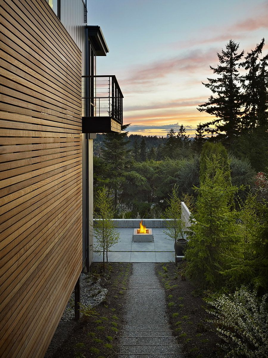 Hillside home transports you into nature's lap [Design: DeForest Architects]