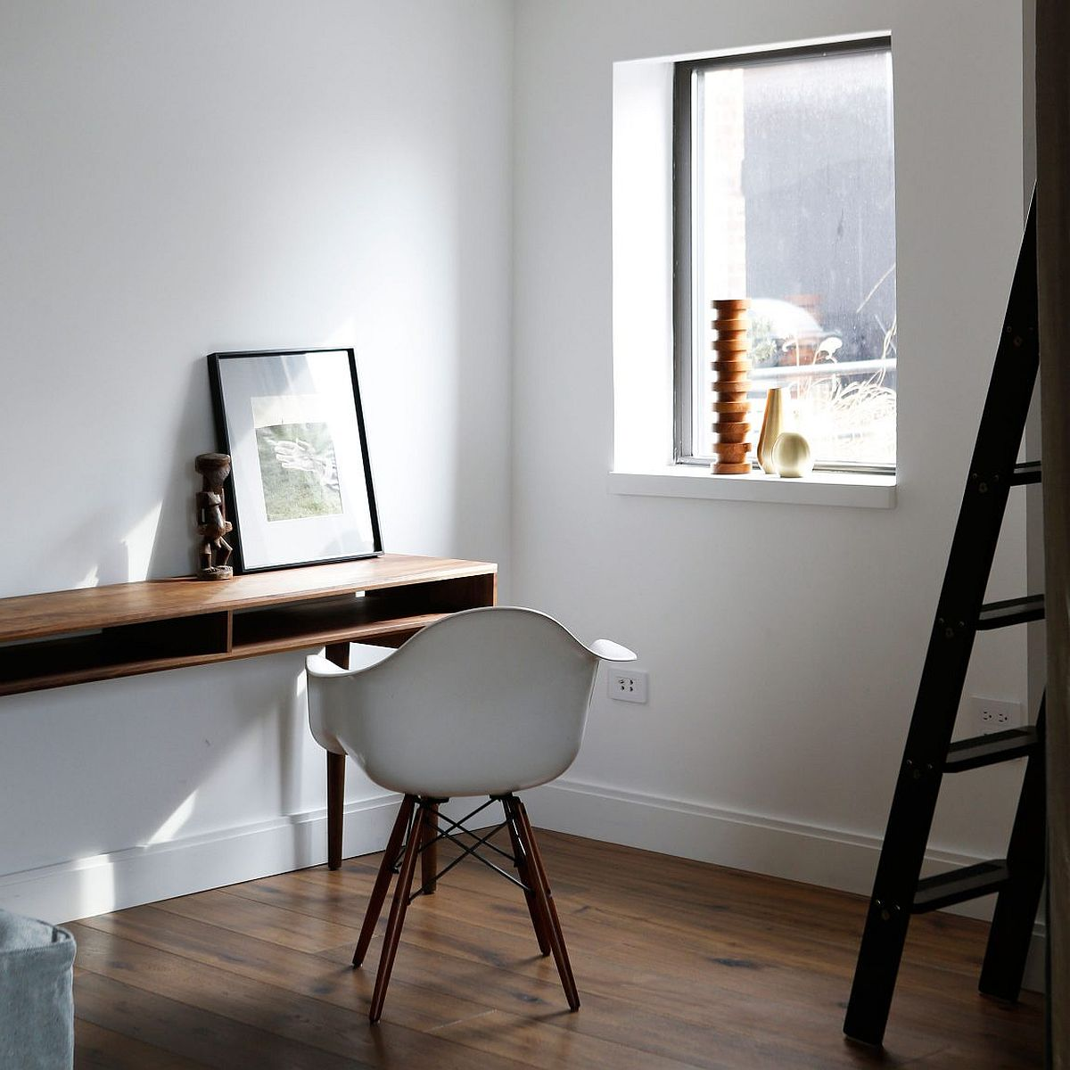 Home workspace with modern minimal style