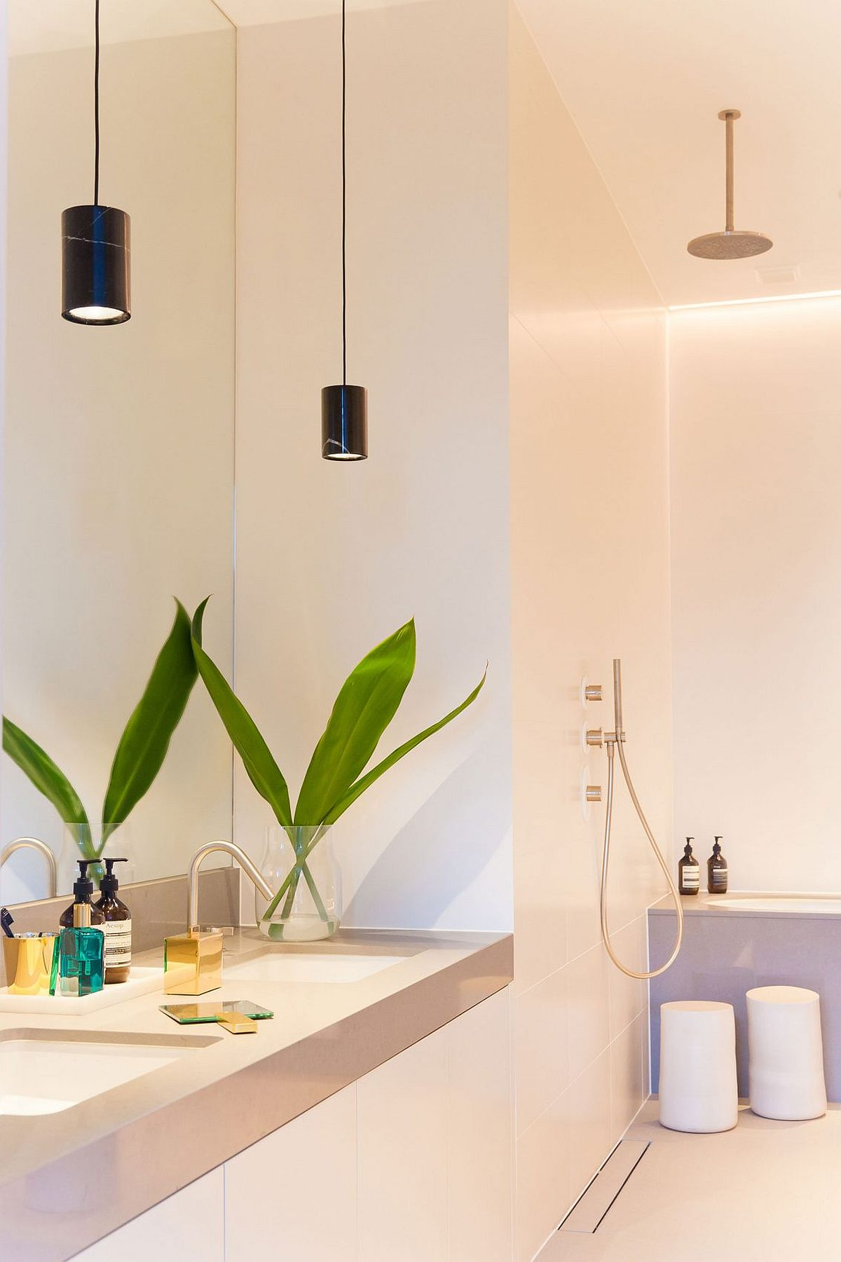 Lighting transforms the ambince of the cool bathroom