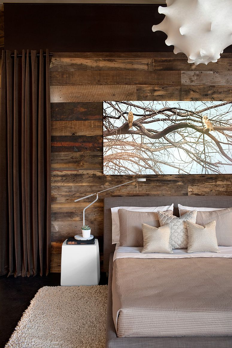 Lovers of rustic design will enjoy the presence of reclaimed wood in the contemporary bedroom