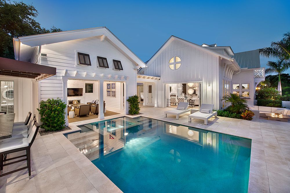 make sure the style of the pool house matches that of the main residence from