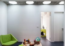 Modern kids playroom and bedroom with a series of skylights 217x155 20 Delightful Kids' Rooms with Skylights