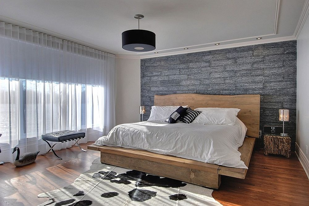 Platform bed with live-edge headboard in contemporary setting [Design: Carpette Multi Design]