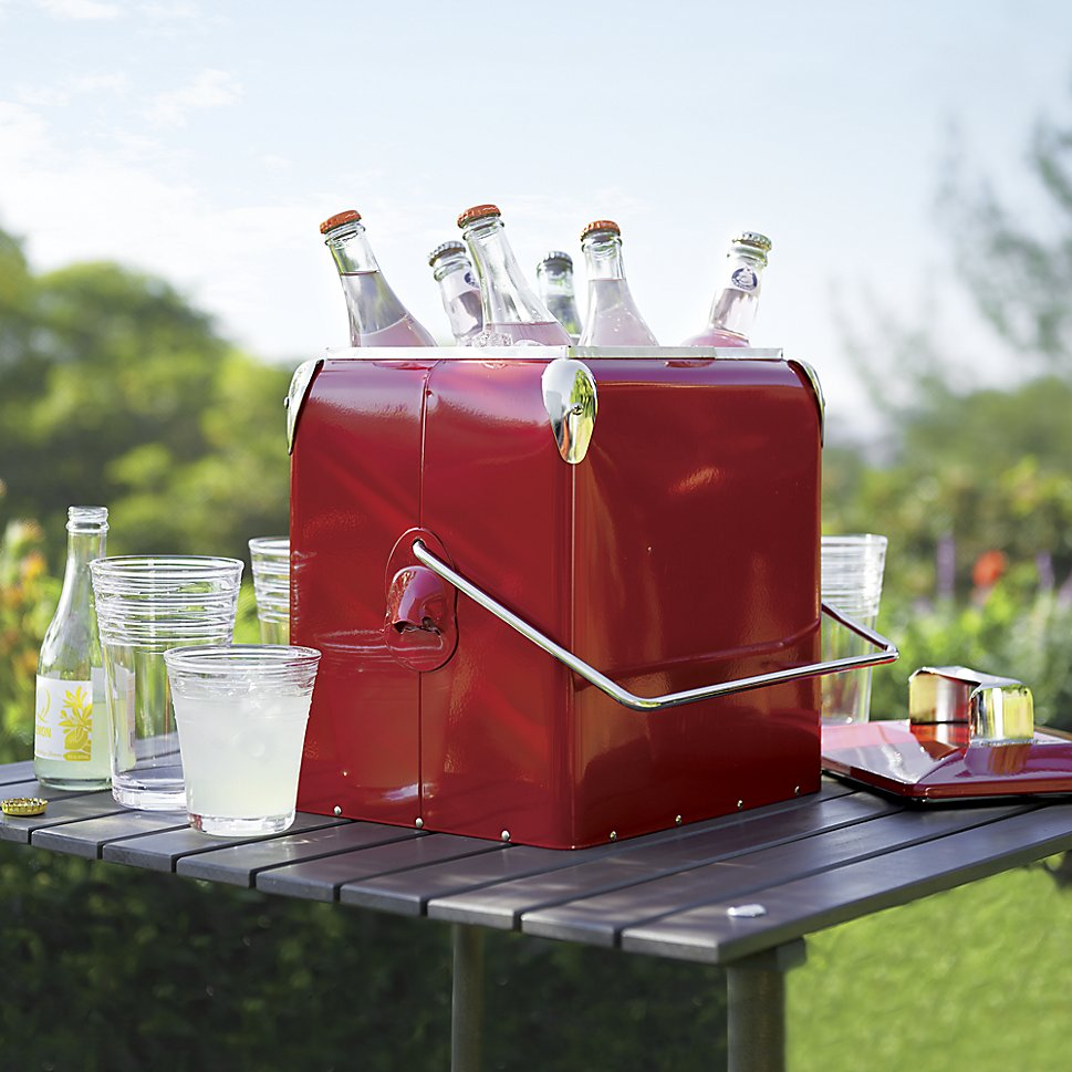 Red picnic cooler for outdoor dining