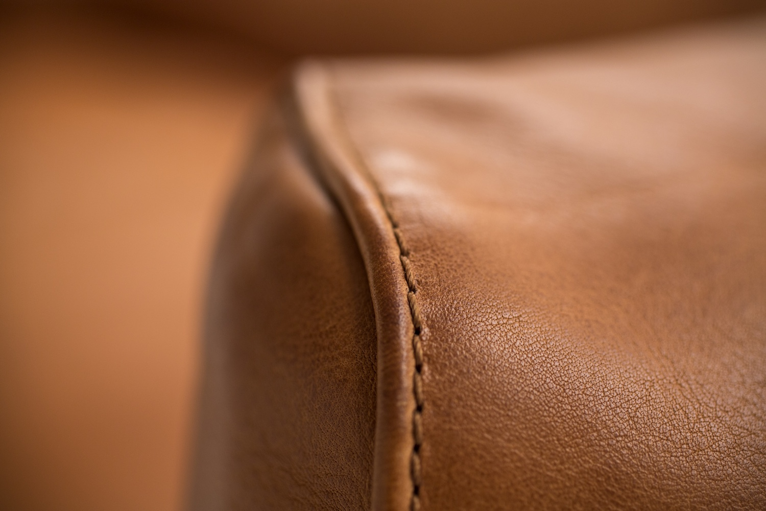 Rondo leather craft detail.
