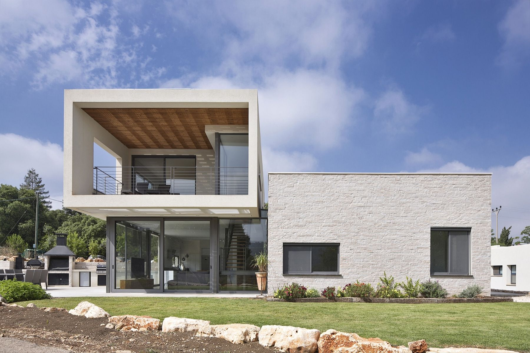 Rosenberg Golan and Ricky Home by SO Architecture in Israel Modern Home in Israel Puts Open Living Spaces at the Forefront