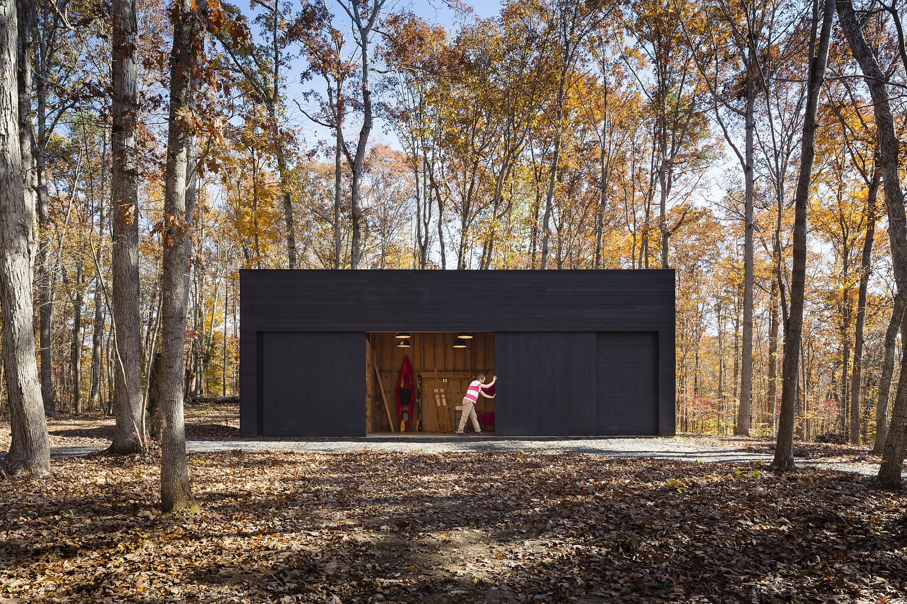 Shed and garage of the unique conteporary home in Scottsville