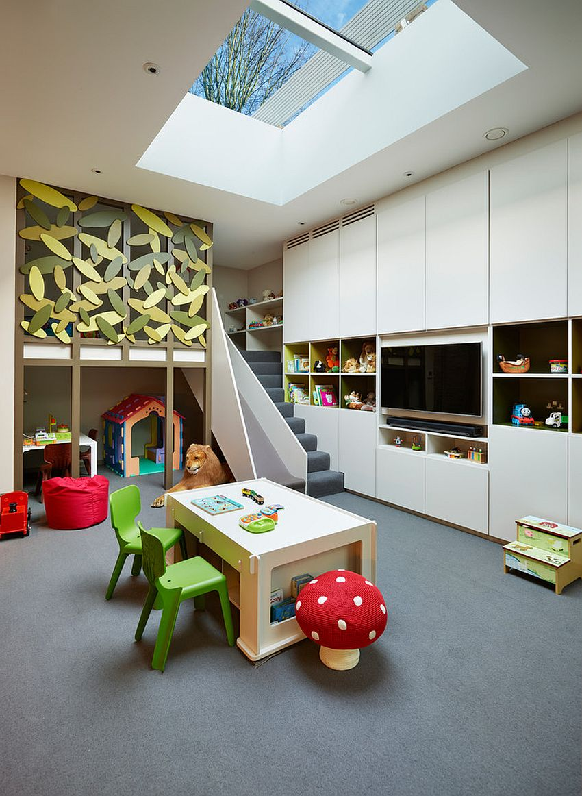 Skylight brings the sky and canopy indoors into the room [Design: Ensoul Interior Architecture]