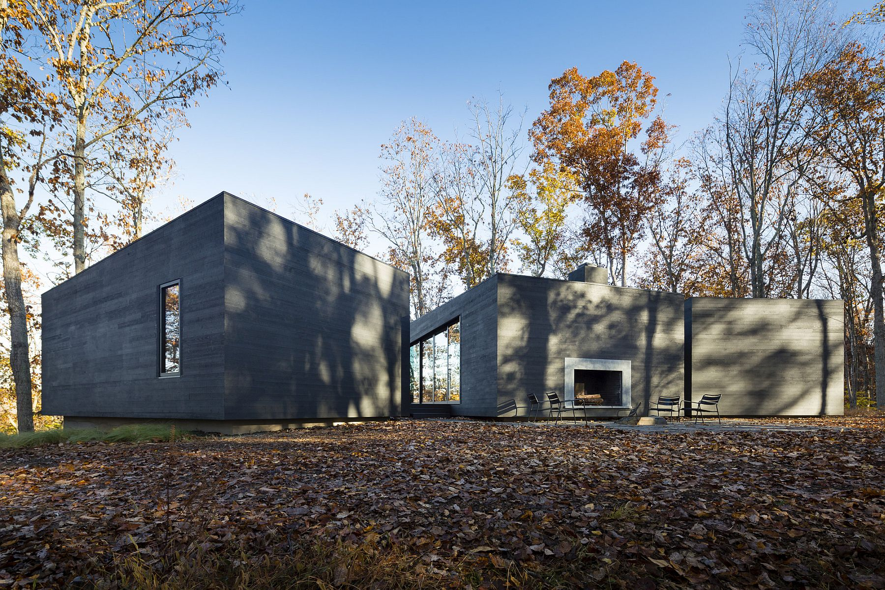 Smart design of the home connects it with nature even while offering ample privacy