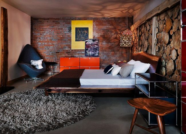 25 Reasons to Fall in Love with a Live-Edge Headboard