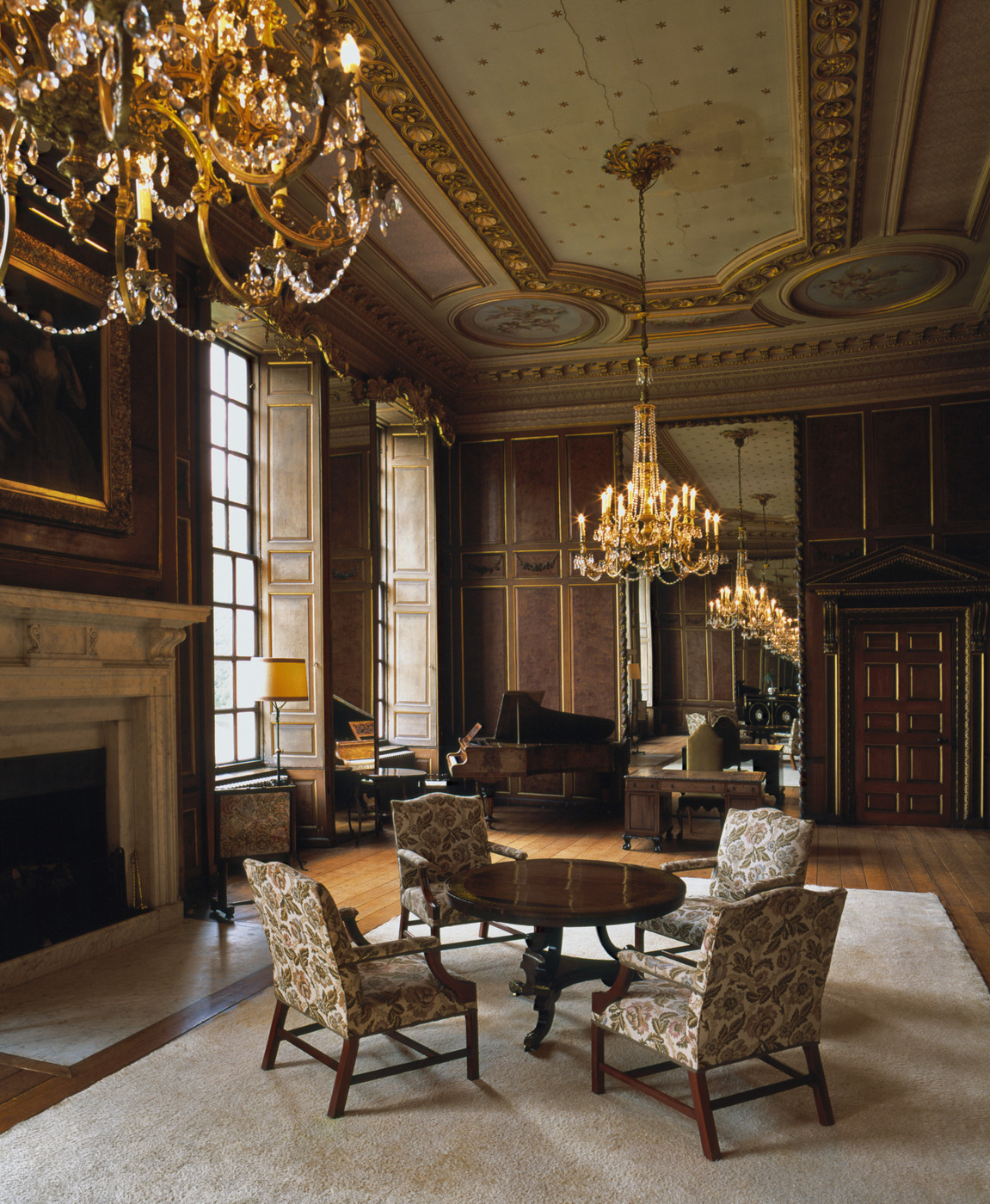 Traditional drawing room with high ceilings