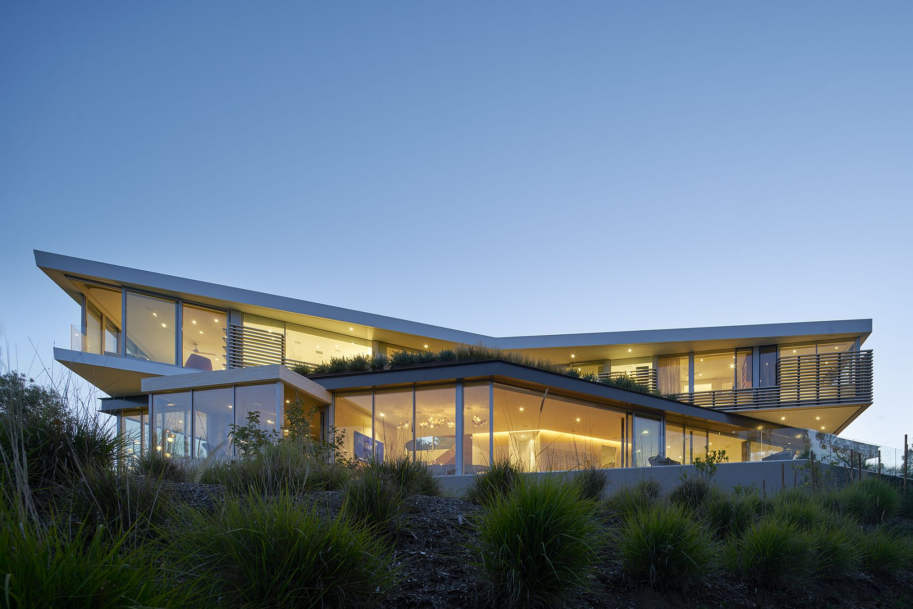 Unique design and silhouette of the stylish contemporary residence in LA