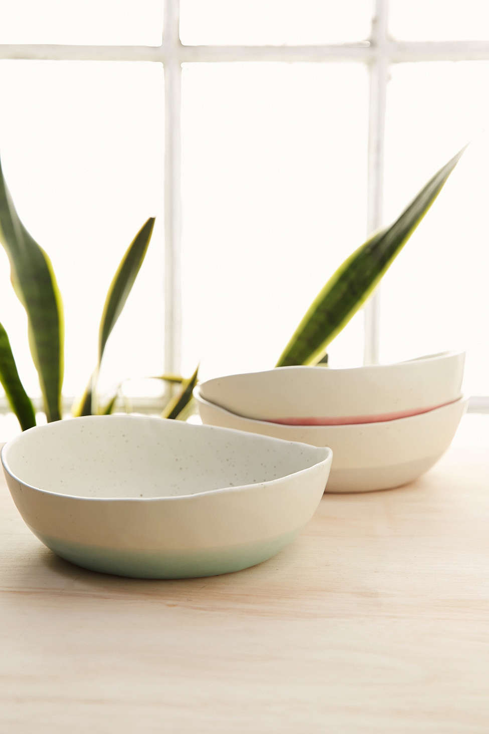 Urban Outfitters' speckled dip bowls