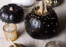 Black-surely-brings-Halloween-vibe-to-pumpkin-decoration-217x155