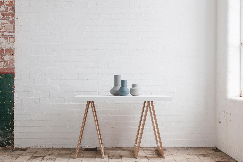 Ceramic vases by Belfast-based ceramistDerek Wilson. Image© Derek Wilson2010-2016.