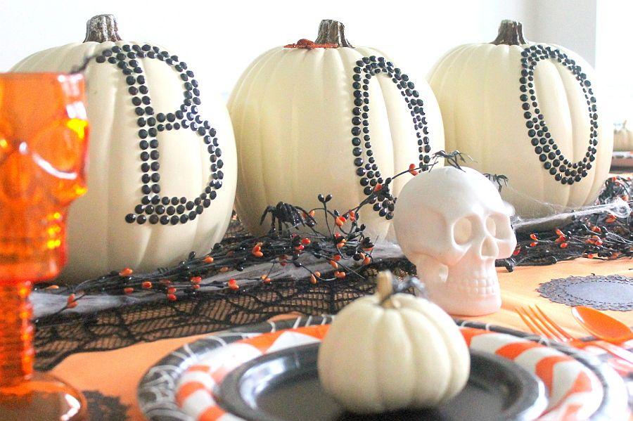 Chic pumpkin decorating idea still brings home the Halloween vibe
