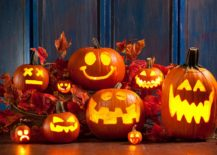 Classic pumpkin carving and Halloween lighting idea
