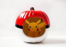 Create your own Pokeball pumpkin this Halloween with paint and simple stencils [From: allfortheboys]
