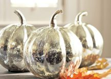 DIY-Mercury-glass-pumpkins-offer-all-the-glitter-you-need-to-enliven-that-Halloween-decoration-217x155