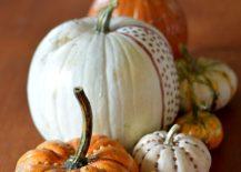 DIY-gilded-pumpkins-make-an-elegant-Halloween-table-centerpiece-217x155