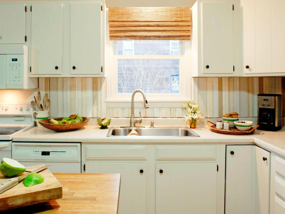 DIY salvaged wood backsplash