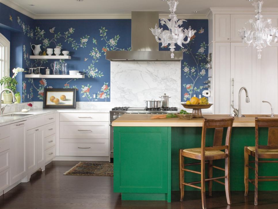 Emerald green cabinetry by O Interior Design