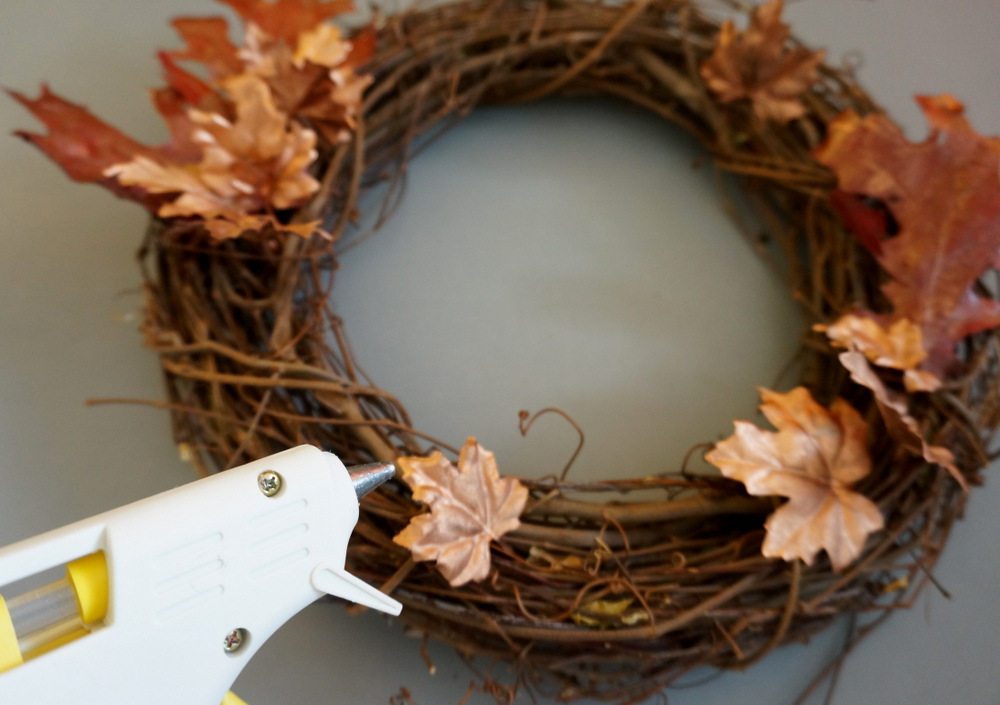 Fall wreath glue gun