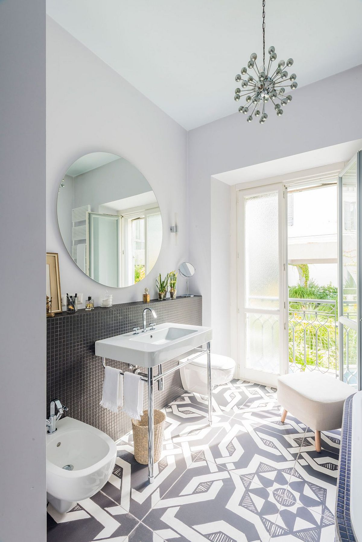 Floor tiles add geostyle to the small bathroom