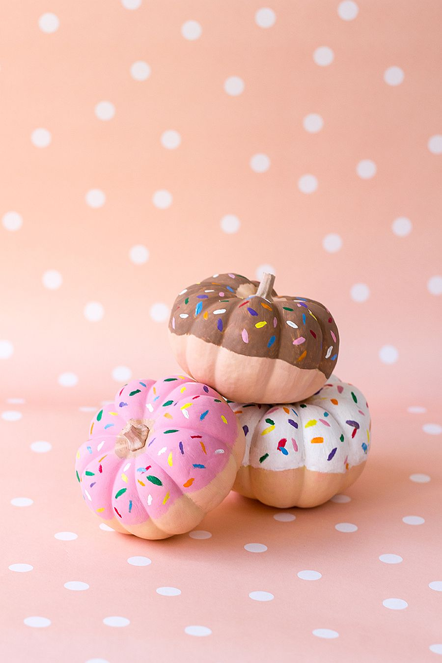 Fun DIY donut pumpkins with confetti