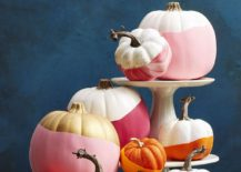 Glamorous-and-chic-pumpkin-painting-idea-for-a-stylish-Halloween-217x155
